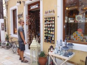 Johan lukter en turistfelle.