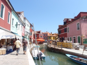 Burano, den fargerike byen!