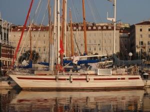 Lukas og Nora på Adriatica i Trieste.